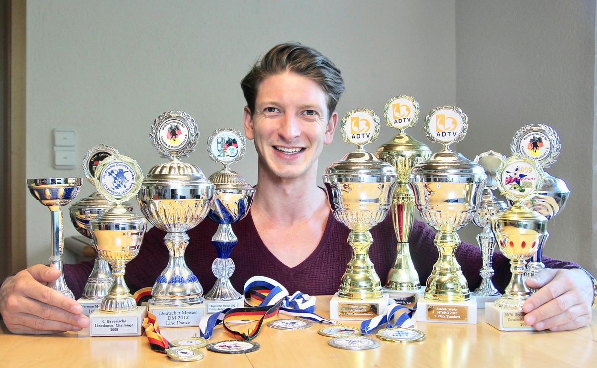Michael Braun ist ein Meister seines Faches: Zwischen 2009 und 2012 holte er fünf deutsche Meistertitel im Tanzen und feierte auf nationalen und internationalen Turnieren zahlreiche Erfolge.