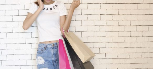 Städtetrip zum Shopping: Mädels im Kaufrausch