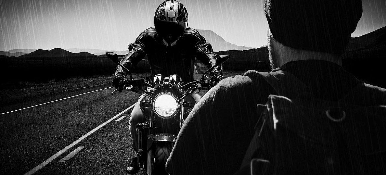 Motorrad-Helm: Safety First