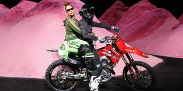 Fenty x Puma by Rihanna: Strand und Motorsport