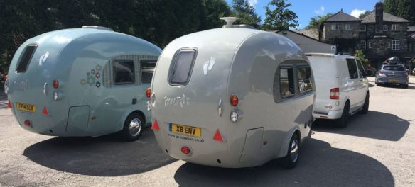 Barefoot Caravan: Curved und Unique
