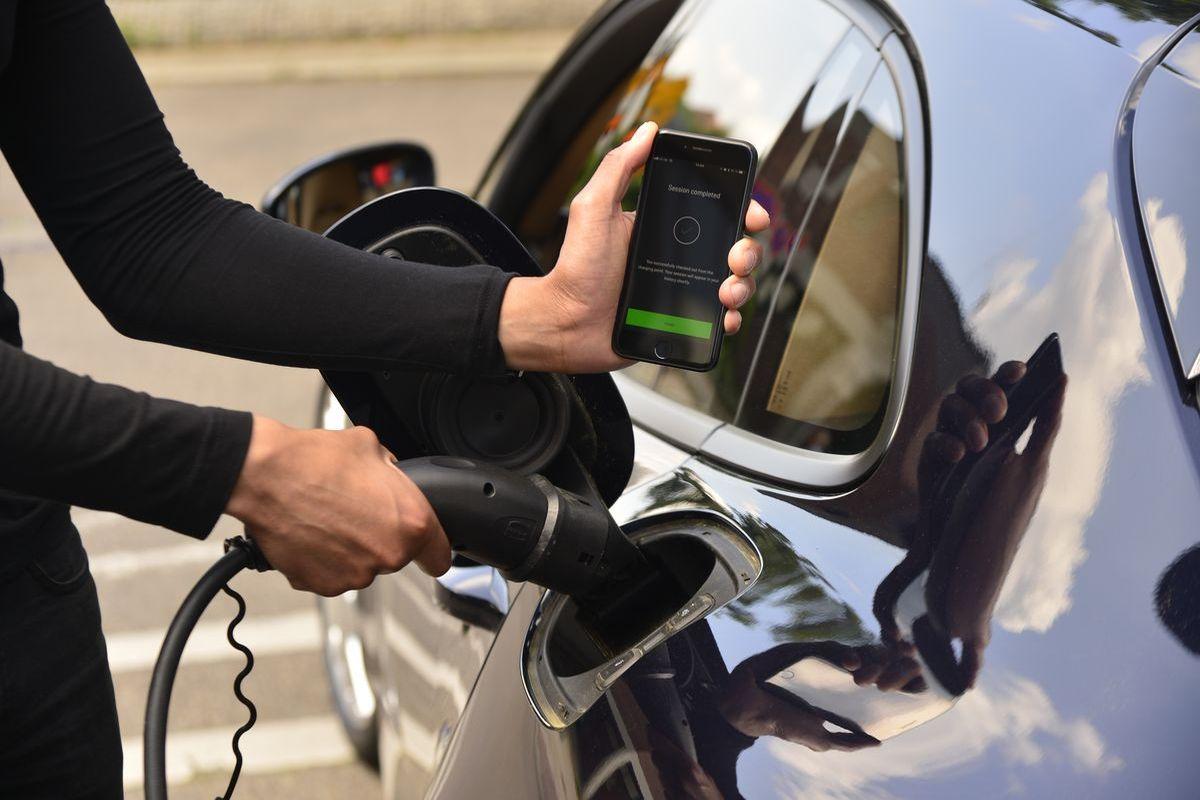 Elektroautos: Neuer Charging-Service von Porsche