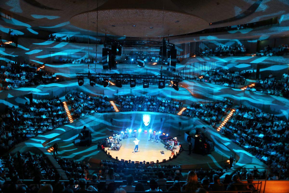 Cro in der Elbphilharmonie