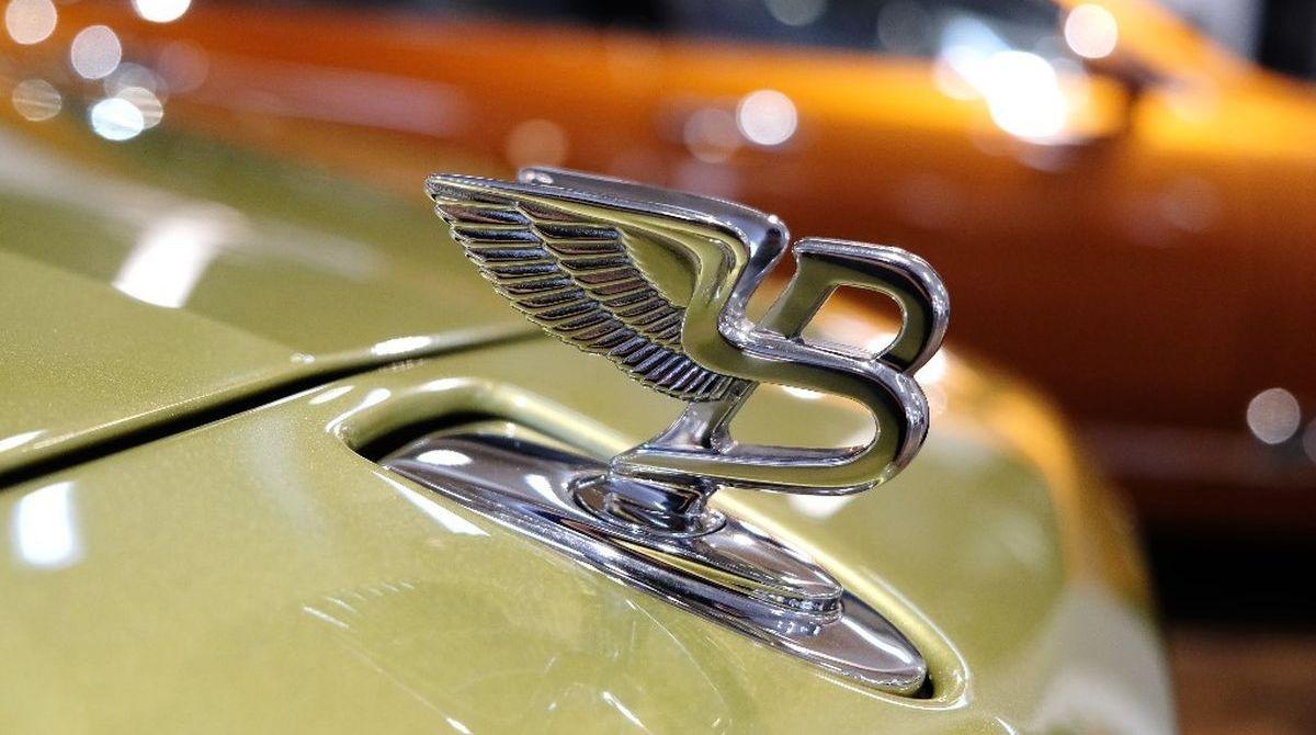 Goldene Zeiten mit Bentley Hamburg und Galerie Ewa Helena