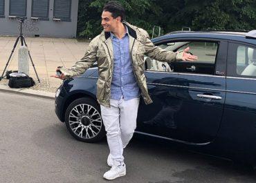 Silva Gonzalez checkt den Fiat 500 Collezione ab