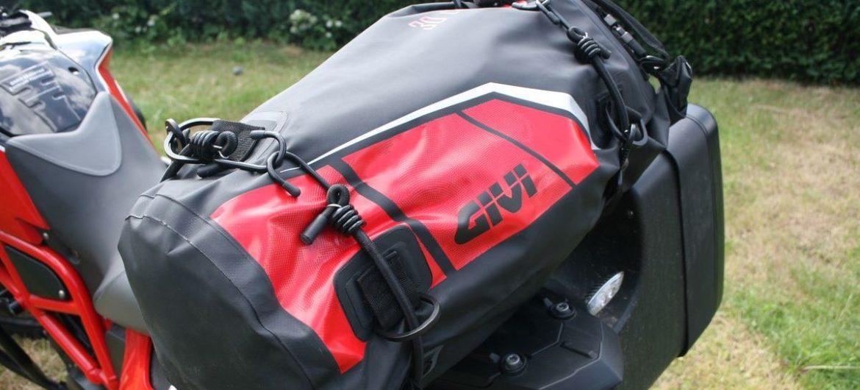 Gepäckrolle für Motorradfahrer