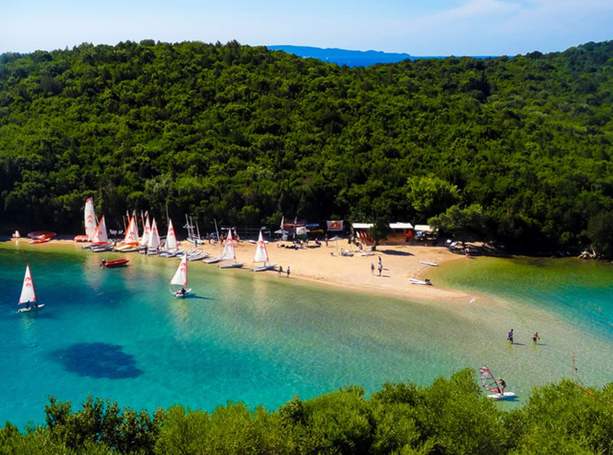 Griechenland: Strand Bella Vraka auf Mourteméno