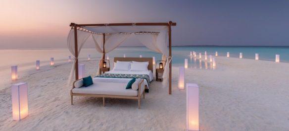 Mit Butler: Unter freiem Malediven-Himmel übernachten