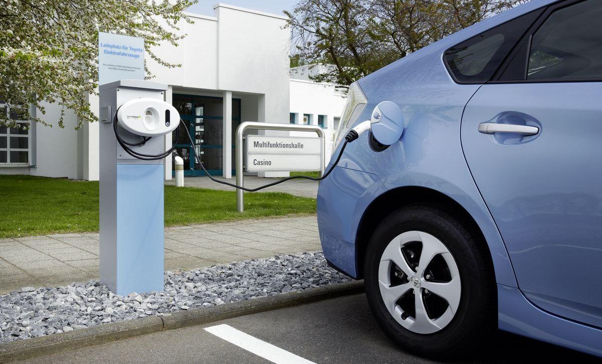 Ladestation am Sitz von Toyota Deutschland