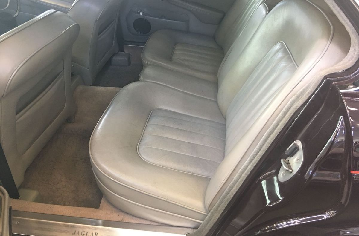 Jaguar XJ12 S1 Vanden Plas Saloon (1973), Queen Mum