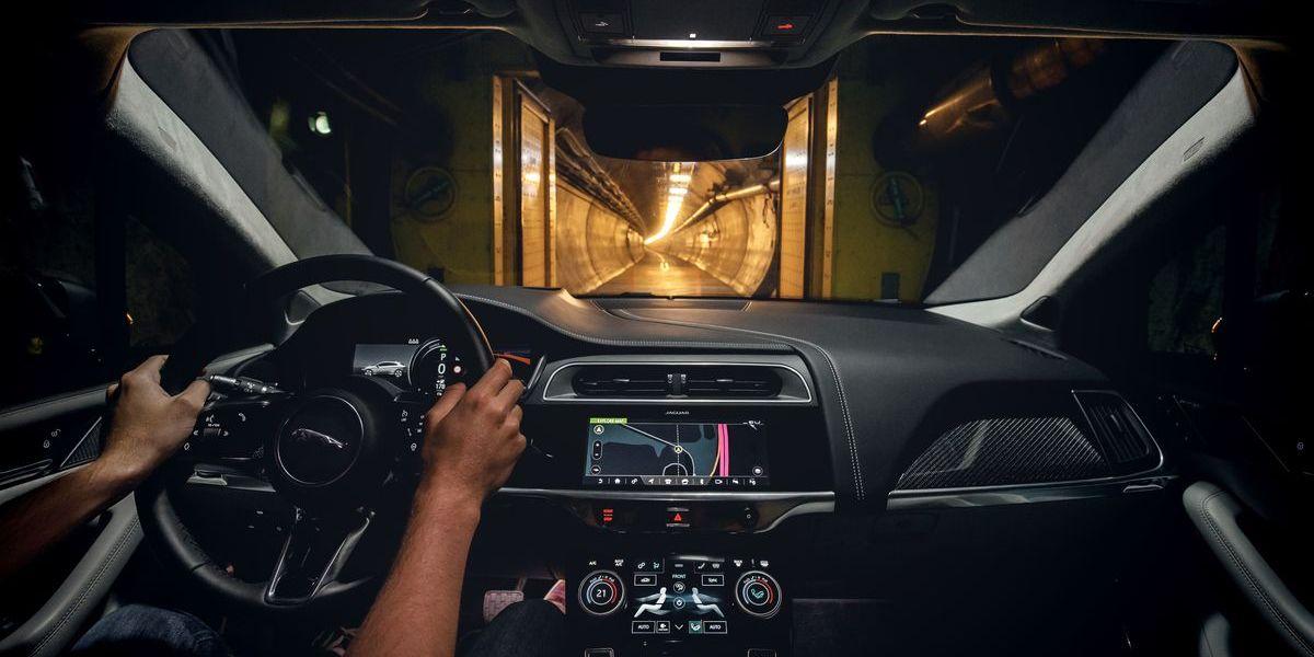 Auf dem Weg von London nach Brüssel nutzte der Jaguar I-Pace die Servicetrasse des Eurotunnels unter dem Ärmelkanal.