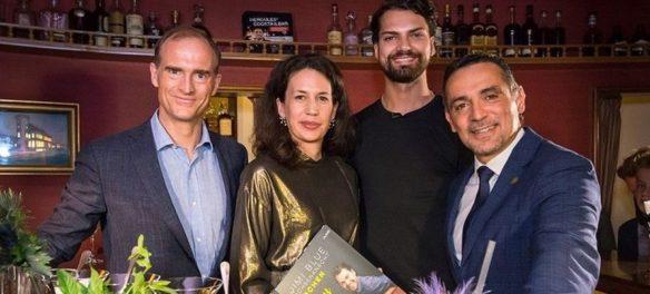 Die Premierengäste Donatus Prinz von Hessen, Dr. Marcella Prior-Callwey, Jimi Blue Ochsenknecht und Hercules Tsibis (von links nach rechts).