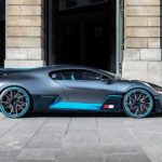 Der Bugatti Divo posiert in Paris