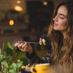 Superfood: Iss, trink und crem' Dich schön