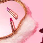 Rot und Lila: Tipps für einen perfekten Winter-Kussmund
