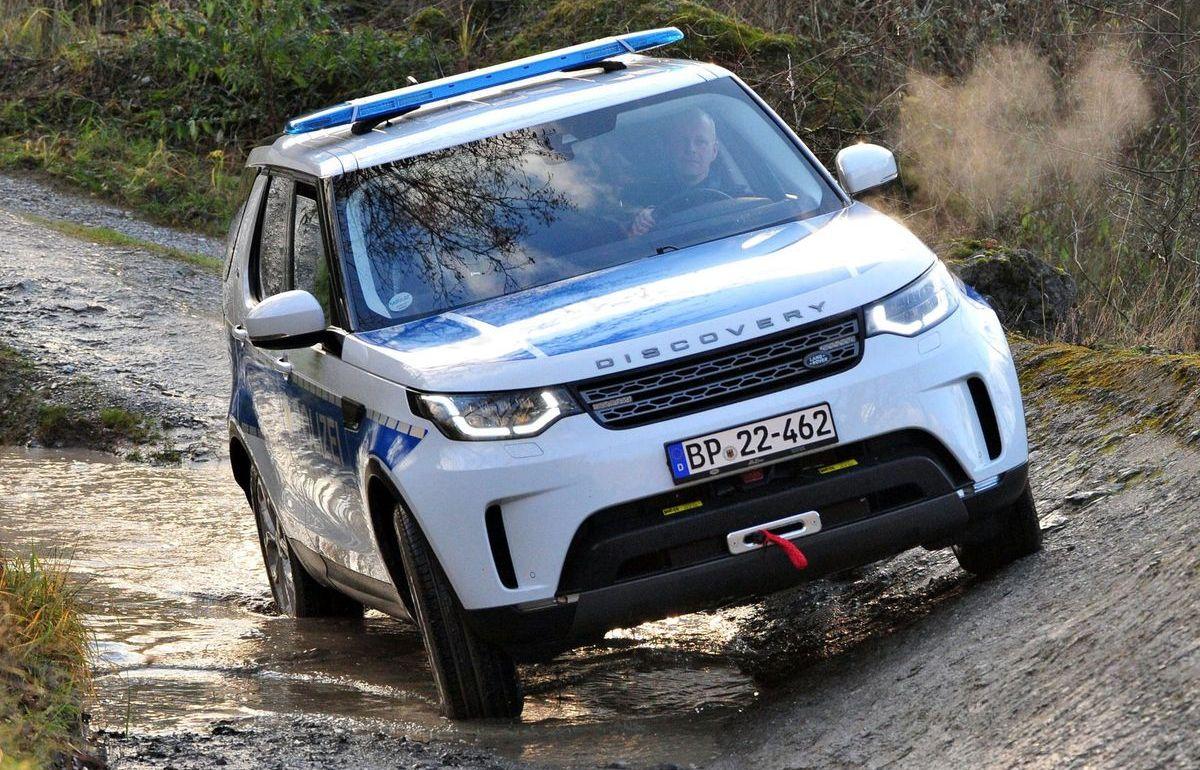 Die Bundespolizei hat im Land-Rover-Experience-Center in Wülfrath 40 von insgesamt 80 Discovery übernommen.