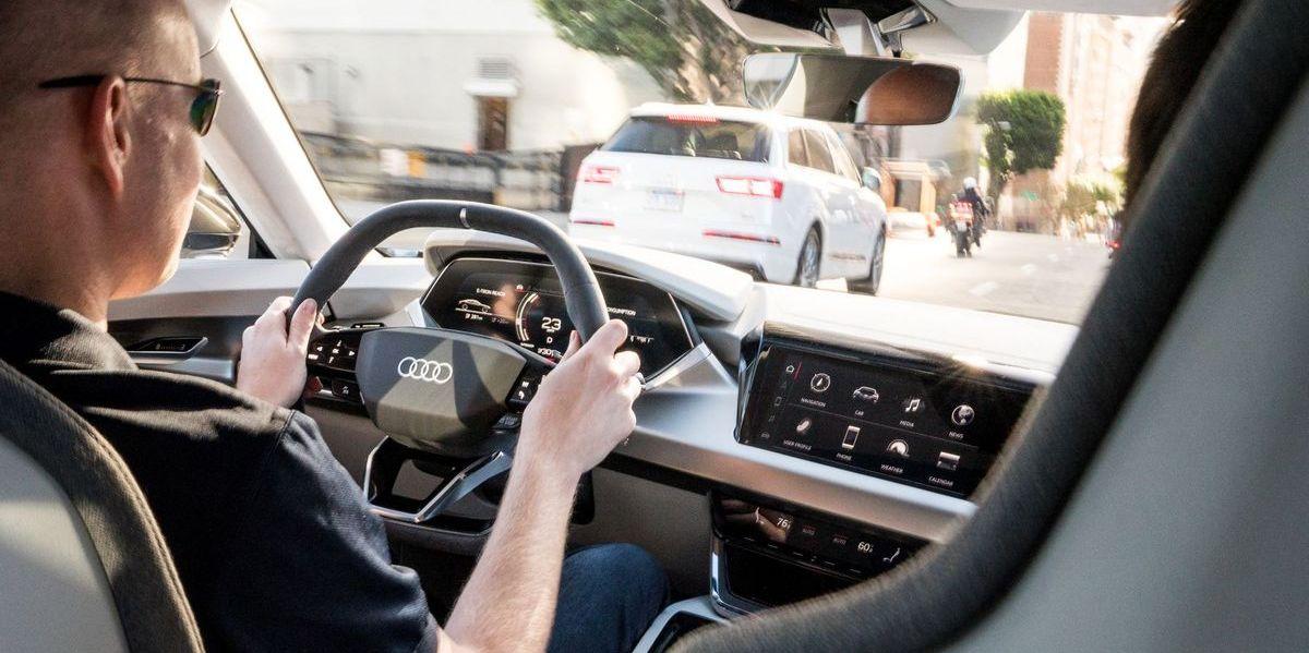 Autor Jens Meiners im Audi e-Tron GT Concept