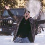 Jeep: Heilige Nacht – Schneeballschlacht!