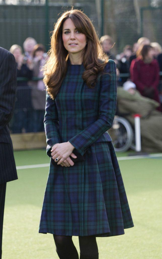 Herzogin Kate 2012 während ihres Besuchs in der St. Andrews Schule