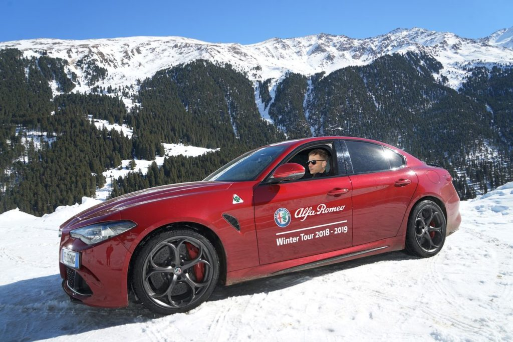 Tom Wlaschiha bei der Alfa Romeo Winter Tour 2019.