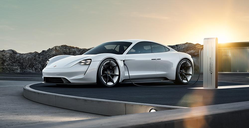Porsche Mission E: Einflüsse dieser Konzeptstudie werden im Taycan auf die Straße kommen.