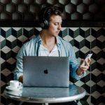 HeadLights: Daimler-Podcast startet Streaming