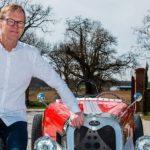 Ari Vatanen berät Devinci bei Retro-Elektromobilen