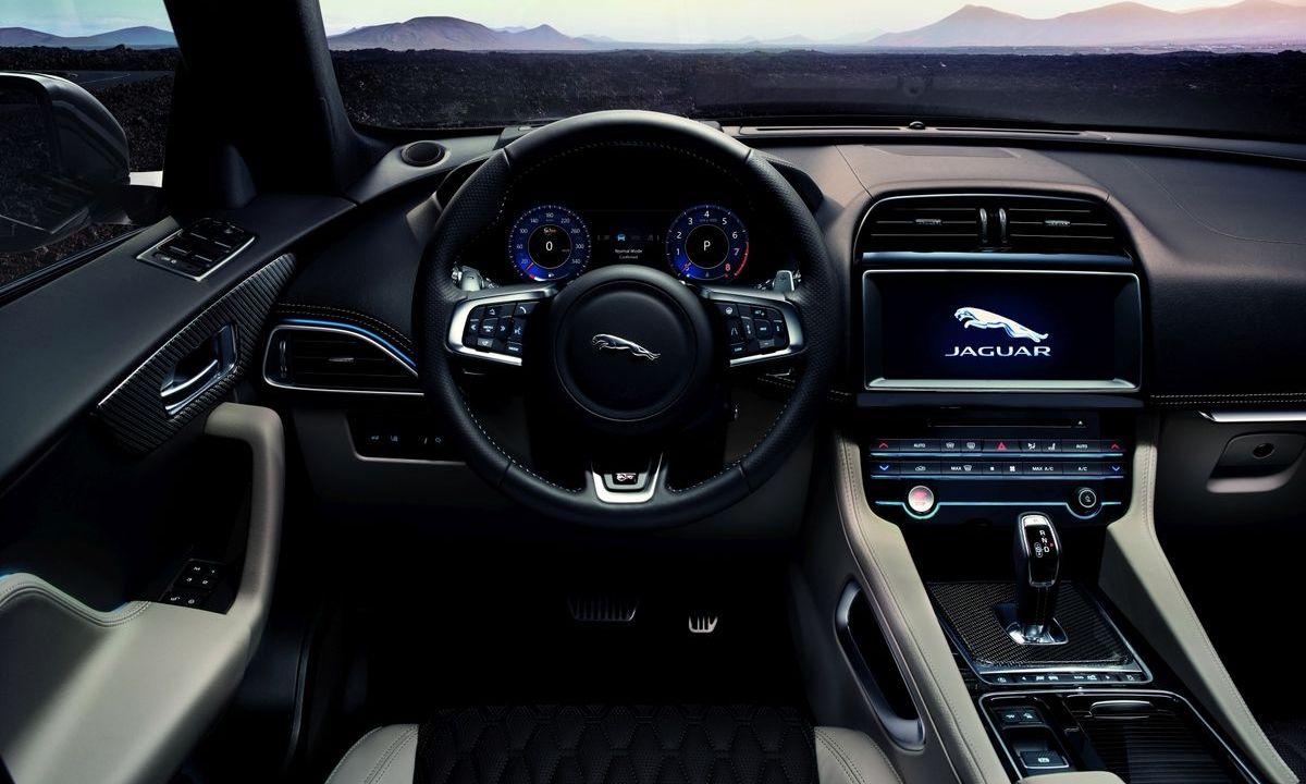 Jaguar F-Pace SVR (2019)