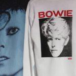 Schuhe und Bekleidung im David-Bowie-Style