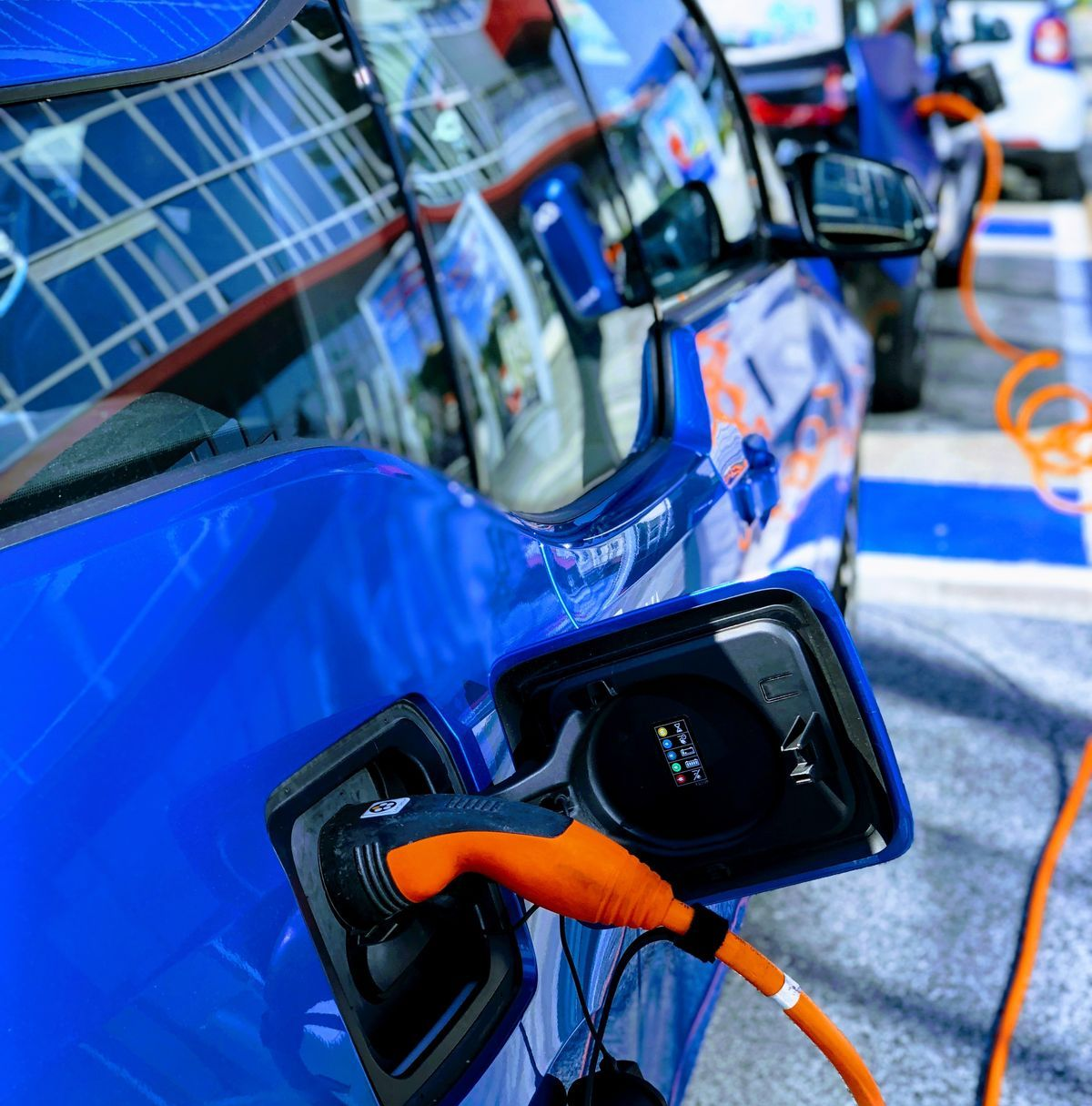 Die Bundesregierung hat die Elektroauto-Prämie verlängert.