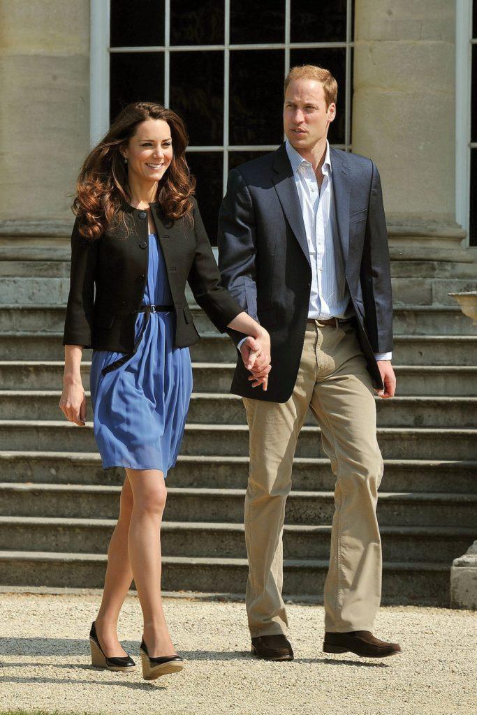 2011: Azurblaues Kleid von Zara, 58,- Euro