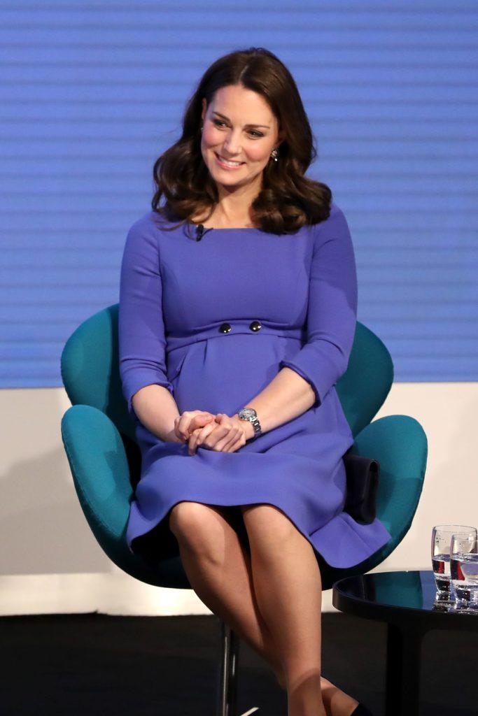 2018: Royalblaues Schwangerschaftskleid von Seraphine, 127,- Euro