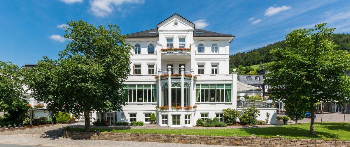 Romantik- & Wellnesshotel Deimann in Schmallenberg-Winkhausen