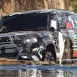 Der neue Land Rover Defender rollt durch Kenia