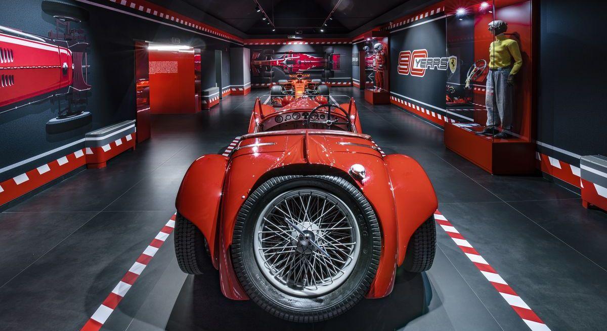 """Ausstellungen """"90 Anni"""" und """"Hypercars"""" im Ferrari-Museum"""