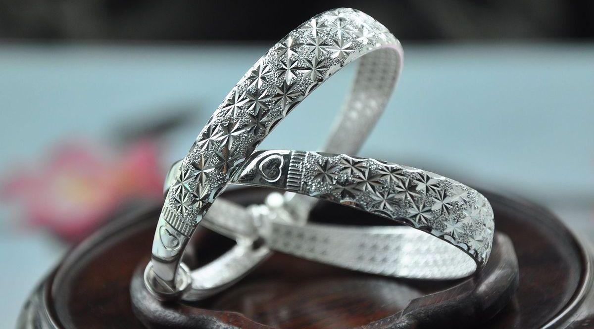 Silber lässt sich sehr leicht kombinieren