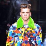 So können Sie ein Neon-Outfit tragen