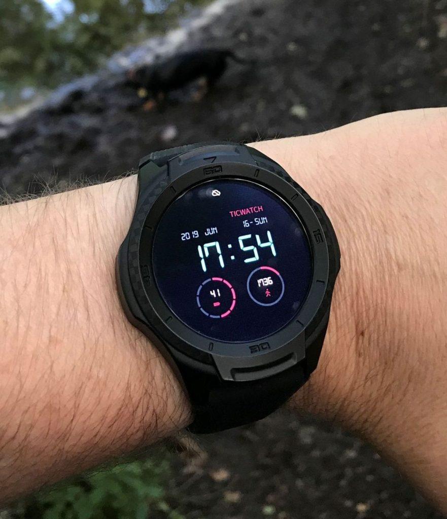TicWatch S2: Smartwatch für einen aktiven Lebensstil.