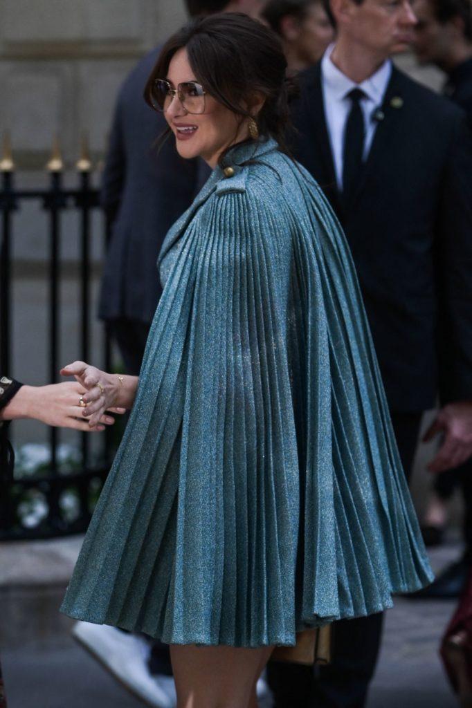 Shailene Woodley mit Dior Cape. (Fotos: ddp images)