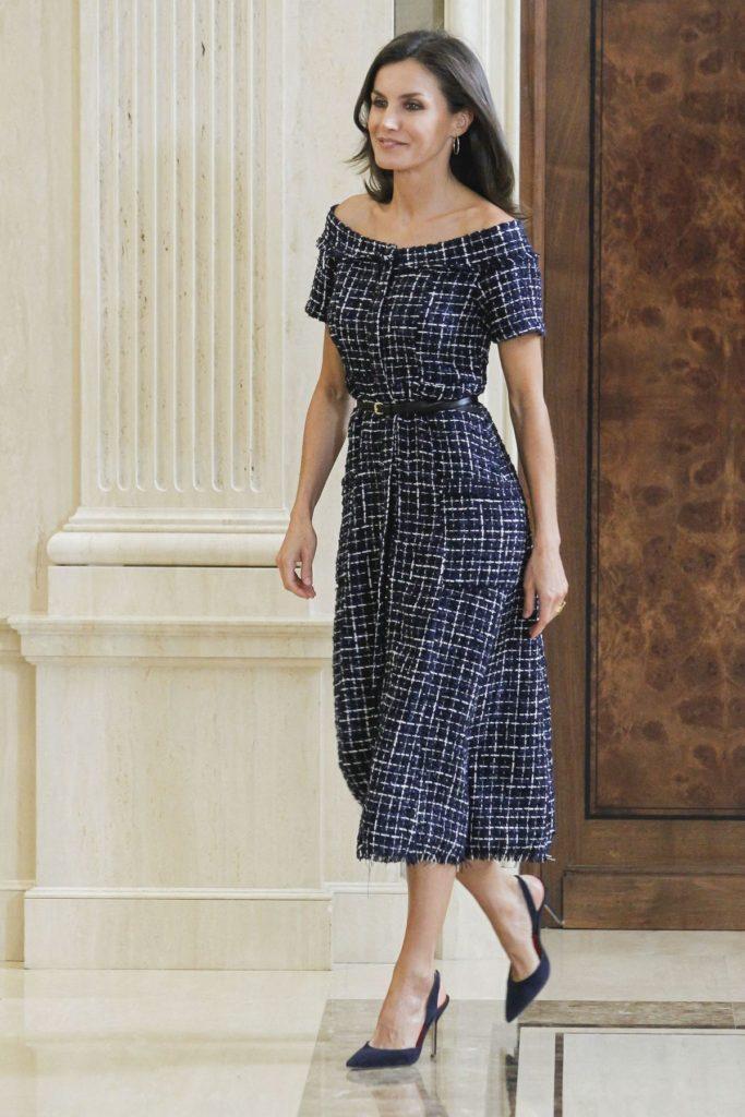 Letizia von Spanien: Dieses Kleid kostete nur 20,- Euro bei Zara.