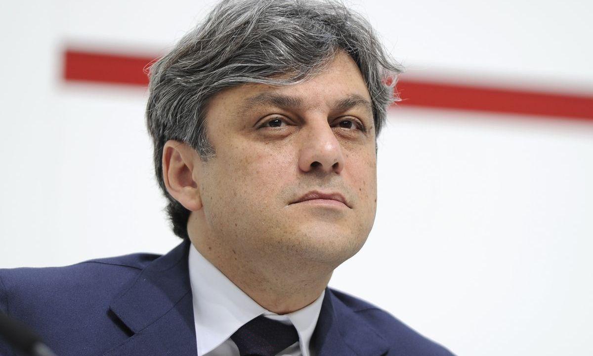 Seat-CEO Luca de Meo entdeckt das Erdgas. (ddp images)
