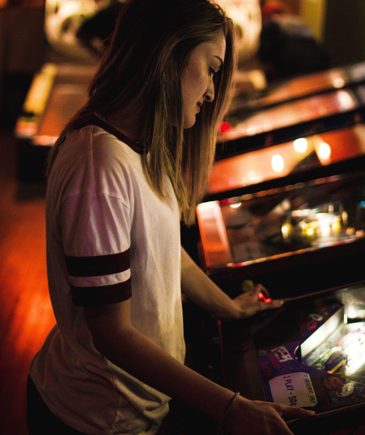 Hohe Gewinne locken Spielerinnen und Spieler.