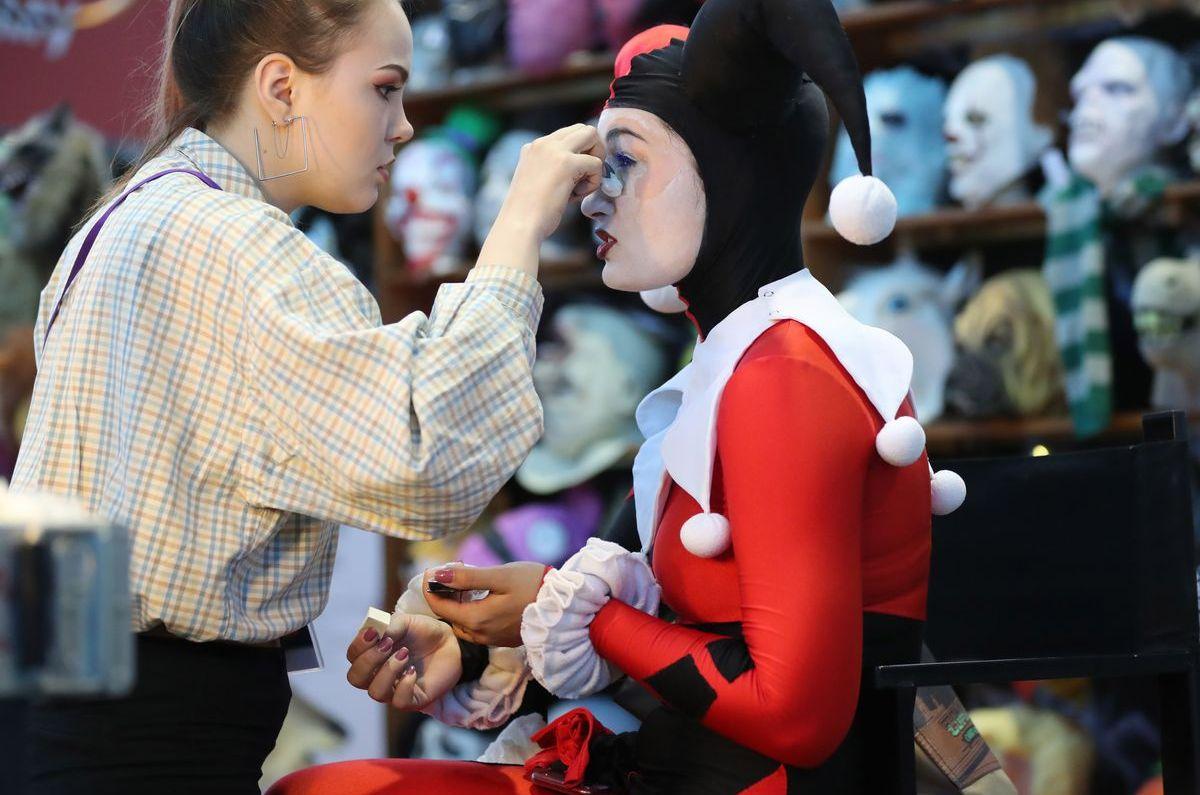 Aussehen wie Harley Quinn aus dem Film Suicide Squad (ddp images)