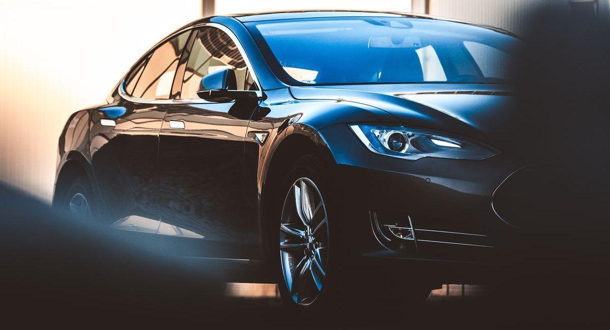 Elektrofahrzeuge können den Klimavorteil erst super-spät ausspielen.