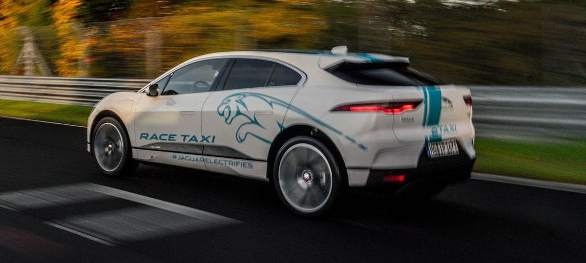 Elektro-Taxifahrt durch die Grüne Hölle
