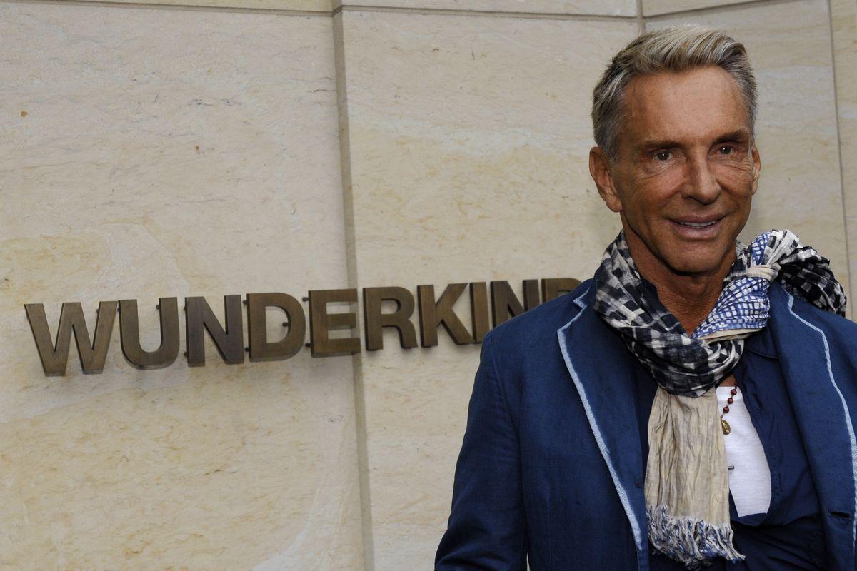 2009: Wolfgang Joop posiert vor der Boutique seines Labels Wunderkind (ddp images).