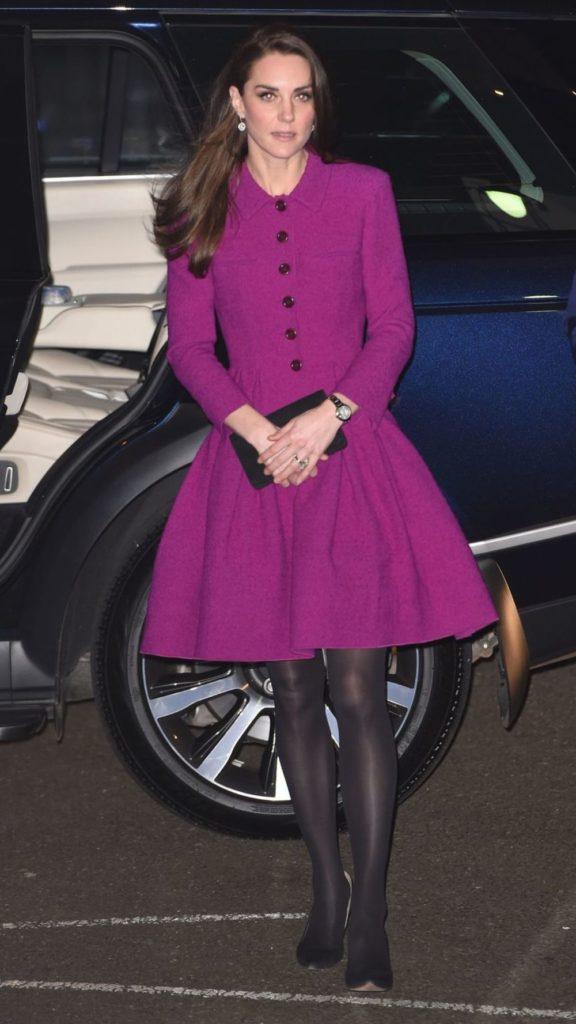 Kate im Oscar de la Renta Kostüm, Februar 2017 (ddp images)
