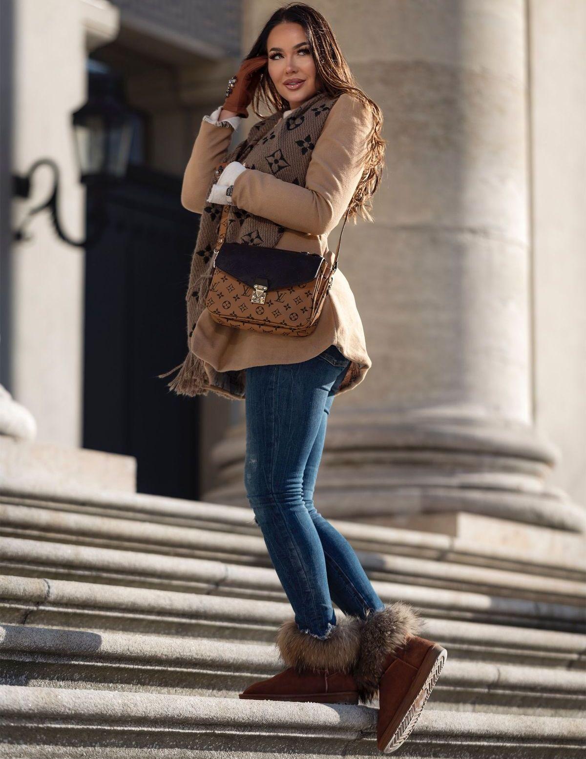 Ein perfektes und stylishes Winter-Outfit - Mantel dazu, fertig.
