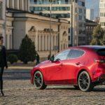 Frauen stehen auf den Mazda 3