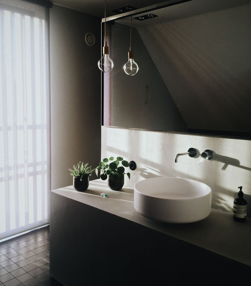 Die Renovierung eines Badezimmers ist heutzutage günstig möglich.